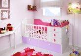 Habitación convertible para tu bebé combinando blanco, lila y fucsia