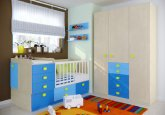 Habitación de bebé convertible en colores haya, azul, y cielo