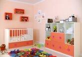 Habitación de bebé a tu gusto en colores blanco puro y mandarina